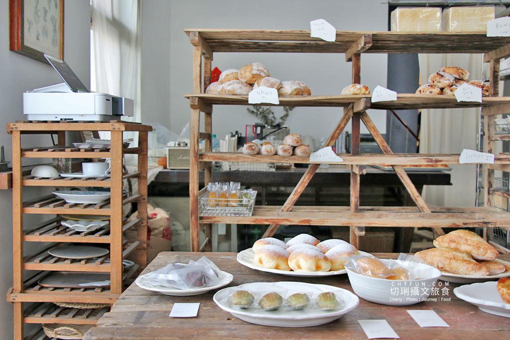 嘉義麵包店小花麵包店01 嘉義 小花麵包店一週只賣兩天,價格不低的文青質感烘焙坊