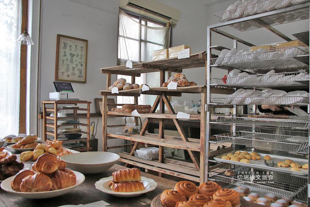 嘉義麵包店小花麵包店04 嘉義 小花麵包店一週只賣兩天,價格不低的文青質感烘焙坊