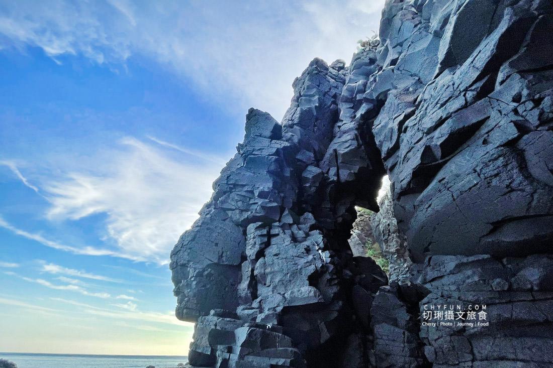 外垵海賊洞01 澎湖 外垵海賊洞美麗的傳說愛心岩洞板狀裂岩,退潮來賞石觀浪獨享靜謐地