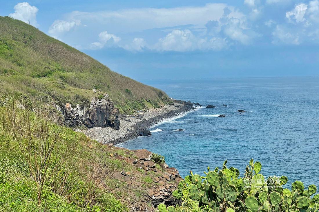 外垵海賊洞06 澎湖 外垵海賊洞美麗的傳說愛心岩洞板狀裂岩,退潮來賞石觀浪獨享靜謐地