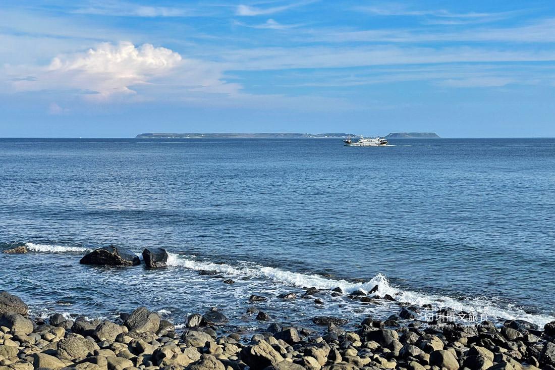 外垵海賊洞12 澎湖 外垵海賊洞美麗的傳說愛心岩洞板狀裂岩,退潮來賞石觀浪獨享靜謐地
