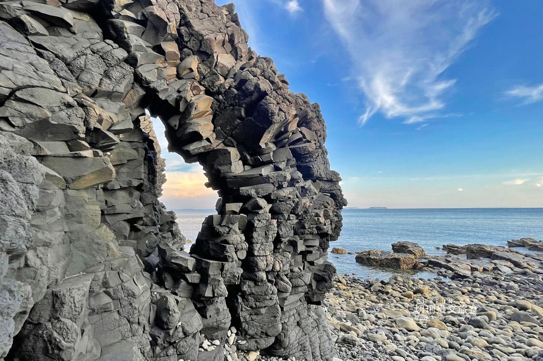 外垵海賊洞16 澎湖 外垵海賊洞美麗的傳說愛心岩洞板狀裂岩,退潮來賞石觀浪獨享靜謐地