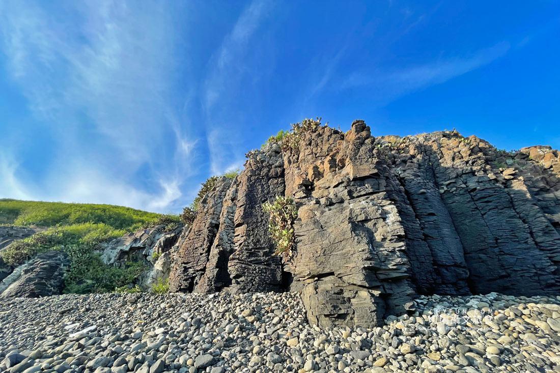 外垵海賊洞20 澎湖 外垵海賊洞美麗的傳說愛心岩洞板狀裂岩,退潮來賞石觀浪獨享靜謐地