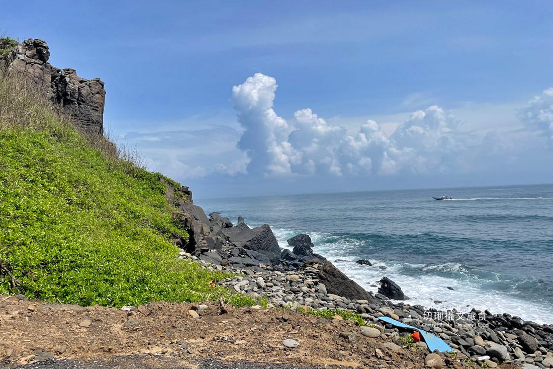 外垵海賊洞26 澎湖 外垵海賊洞美麗的傳說愛心岩洞板狀裂岩,退潮來賞石觀浪獨享靜謐地