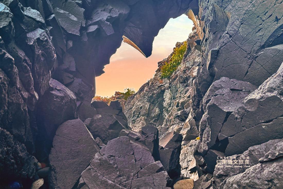 外垵海賊洞27 澎湖 外垵海賊洞美麗的傳說愛心岩洞板狀裂岩,退潮來賞石觀浪獨享靜謐地