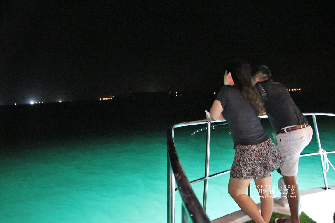 澎湖夜釣小管-海派對遊艇19 澎湖 不一樣的夜釣小管行程在海上享受,海派對遊艇趴豪華出港