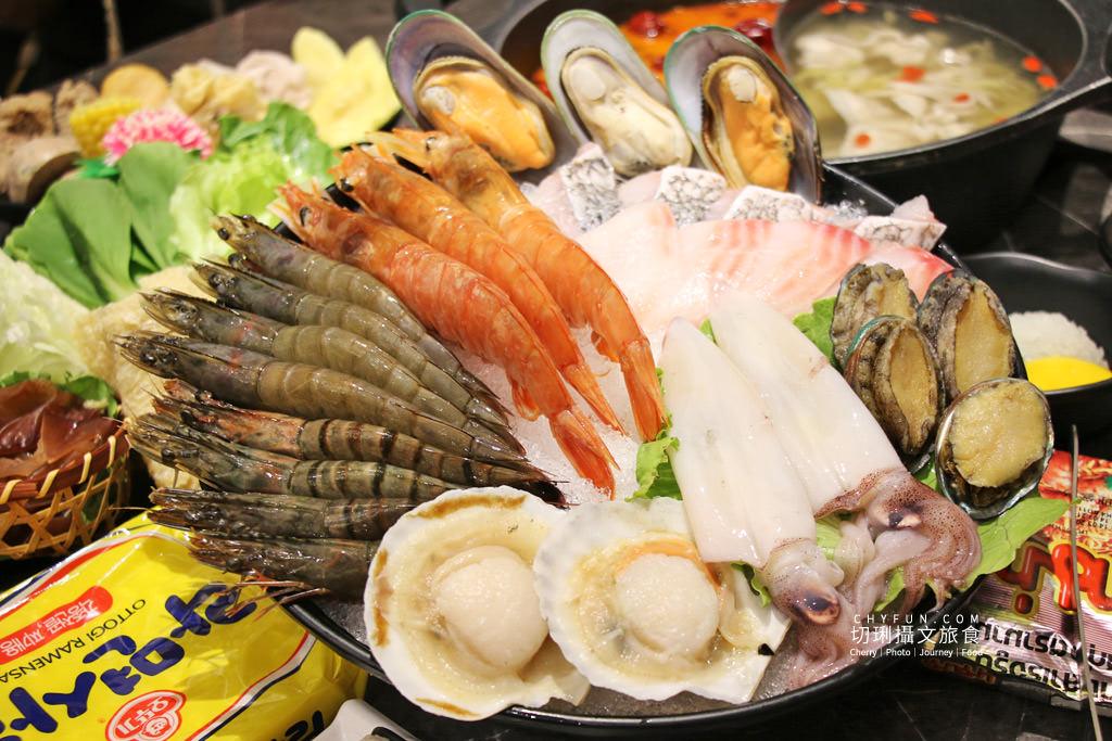 澎湖美食、新巴適火鍋吃到飽24 澎湖|澎湖火鍋吃到飽巴適大口吃肉海鮮,典雅華麗風配豐盛餐宴超滿足