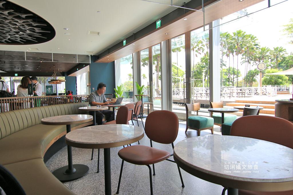 高雄旅遊、星巴克夢時代特色門市、星巴克、高雄咖啡廳06 高雄|夢時代星巴克海洋意象店新開幕,特色藝術牆好拍多款飲品現烤麵包高雄首發