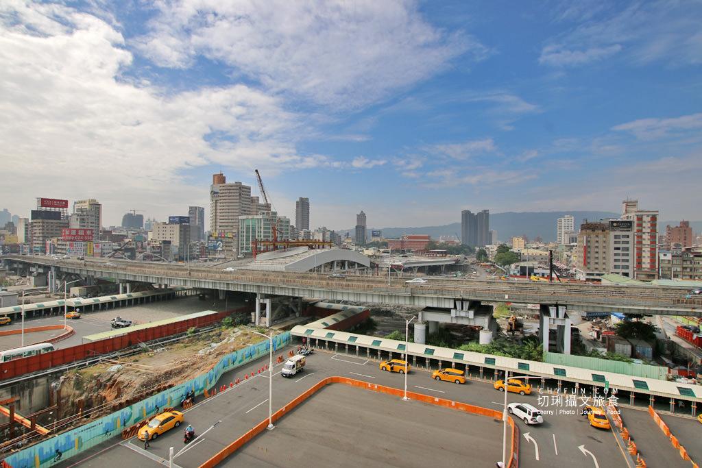 高雄車站中博高架橋01 高雄|中博高架橋拆了多年回憶功成身退,管制與週邊生活大小事