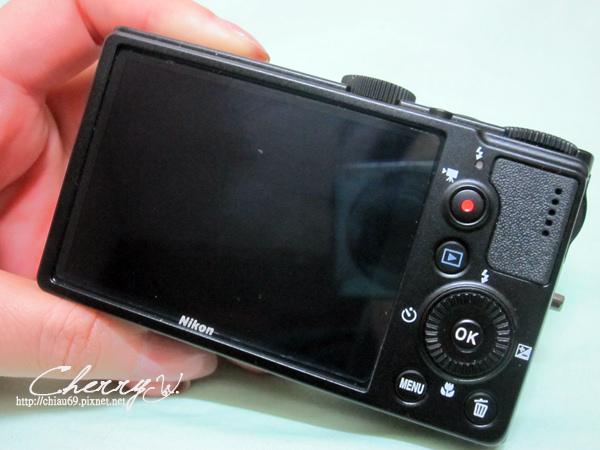 1461755266-eb8c3d2ca9d67a92421f9b268acce2e7 NIKON P300.我的第三台隨身機簡易開箱和單眼相機內袋