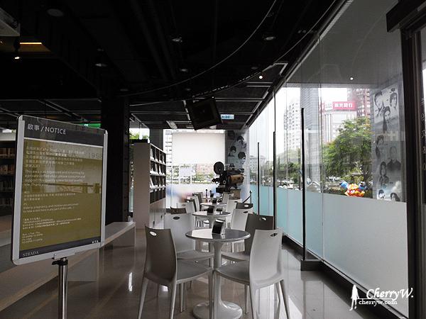 1461755789-07935fc273d7c9b9383c0d3abd870e54 高雄|步道咖啡Café Strada入駐就在高雄市電影館