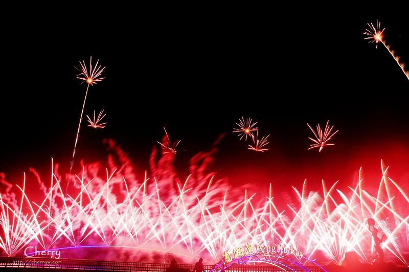 1461756192-1a803a8c56f423a23d4f37b17e1f2fb0 澎湖|2014澎湖國際海上花火節,國際獎項芬蘭團隊施放場煙火
