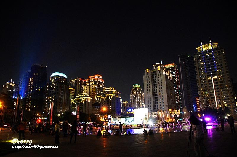 1461753861-2855ca316b3b7022507332d039a59001 台中|臺中國家歌劇院夜景與光影藝術節,光影互動Light Night