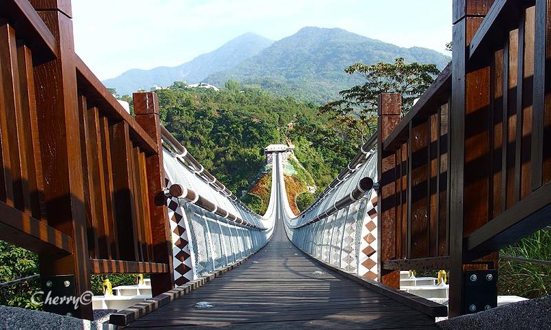 山川琉璃吊橋08.jpg