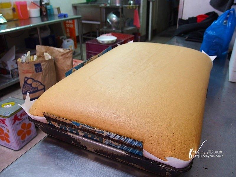 1461756765-efe82b6b5c6f06d40f209d18a0bc13e8 高雄|有間本舖古早味,尋覓傳統美味單純的現烤蛋糕