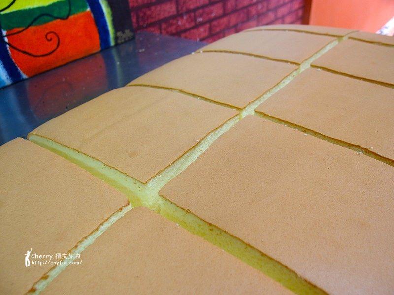 1461756766-cc1773a311900892479c6621a4942ca6 高雄|有間本舖古早味,尋覓傳統美味單純的現烤蛋糕
