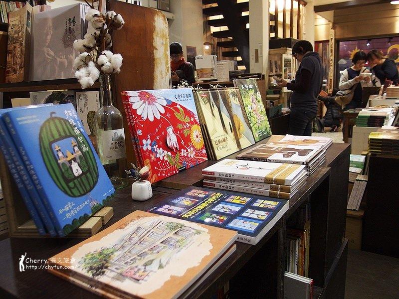 1461756803-121e9b90b3e13306df151585b0947226 高雄 三餘書店TaKaoBooks,輕食咖啡廳融合獨立書店的複合式老屋空間
