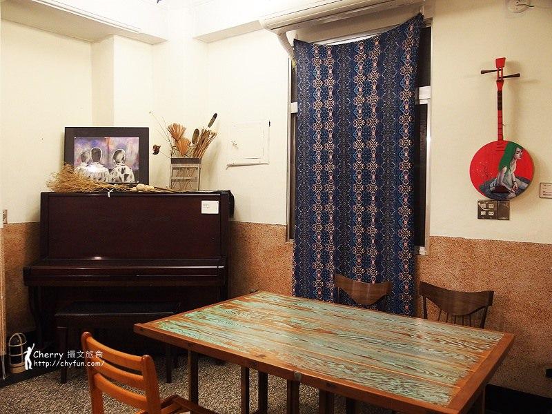 1461756814-f23a075901778bc50e77de695e3d2374 高雄 三餘書店TaKaoBooks,輕食咖啡廳融合獨立書店的複合式老屋空間