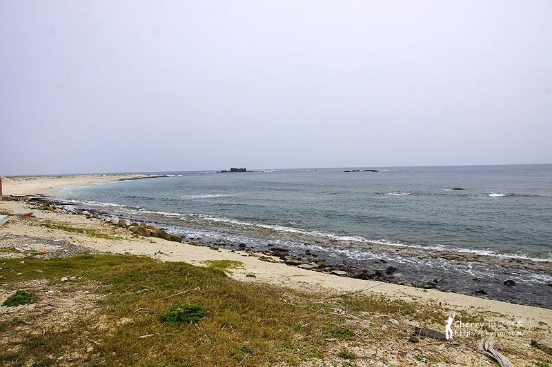 沿菊海龍王_貓嶼七美東嶼坪遊程-28-東嶼坪海蝕平台與沙灘.jpg