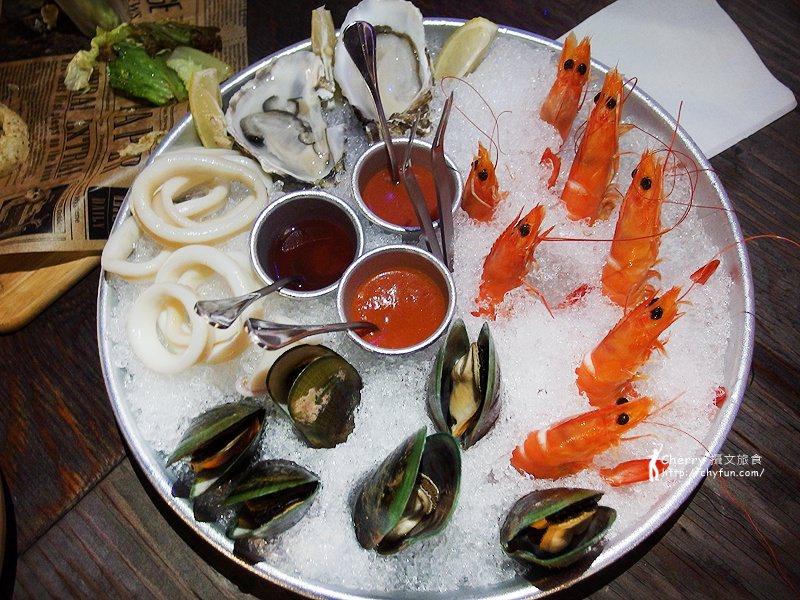 1462868396-2ee35a164ea8848a32647c1162336a44 高雄|Mr. Oyster 蠔蠔先生,私人遊艇與法國生蠔結合的海景餐廳