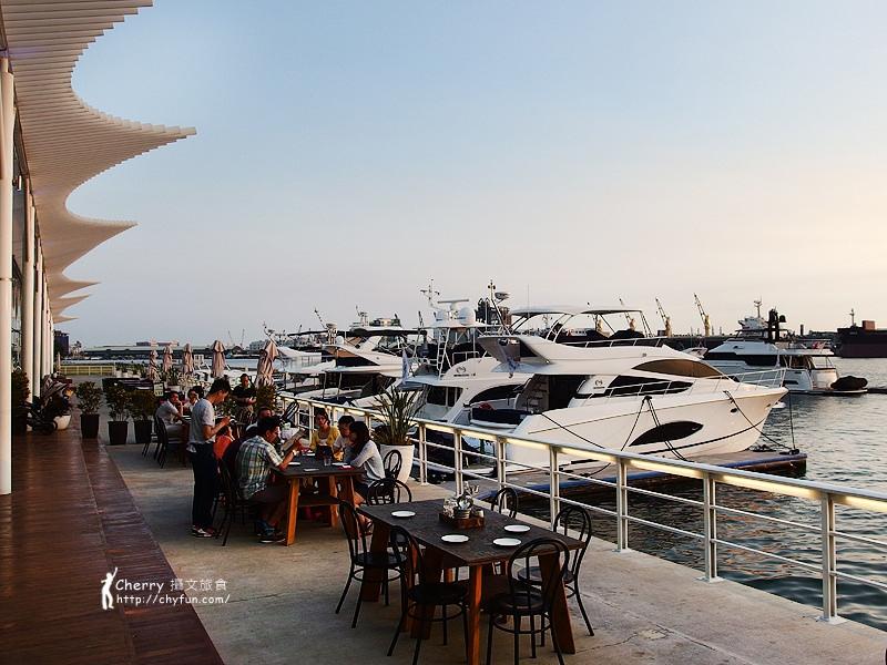 1462868408-9b3f151c9fc0b7cf7d9c3e6265ef2b1a 高雄|Mr. Oyster 蠔蠔先生,私人遊艇與法國生蠔結合的海景餐廳