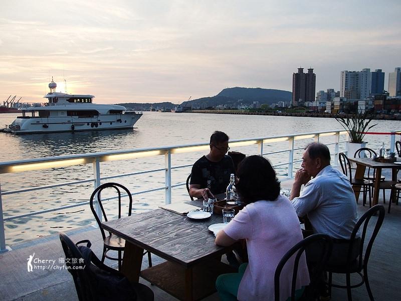 1462868416-b9d9c525ddb5ace4e24a48401947ae4b 高雄|Mr. Oyster 蠔蠔先生,私人遊艇與法國生蠔結合的海景餐廳