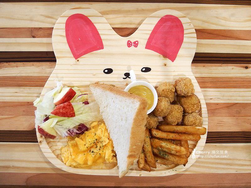 1463238123-0b9fc2786df61ab7dc3b8dd3b761a6f0 高雄、貓餐廳|描Cafe X 屋Brunch,與貓狗一同用餐