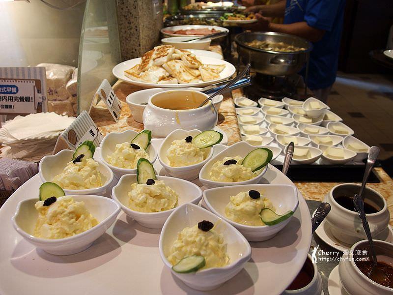 1463242647-8fdb53d85a9456d58adb2c49c7b74ed1 高雄|芳城市庭園餐廳,週末限定早餐吃到飽
