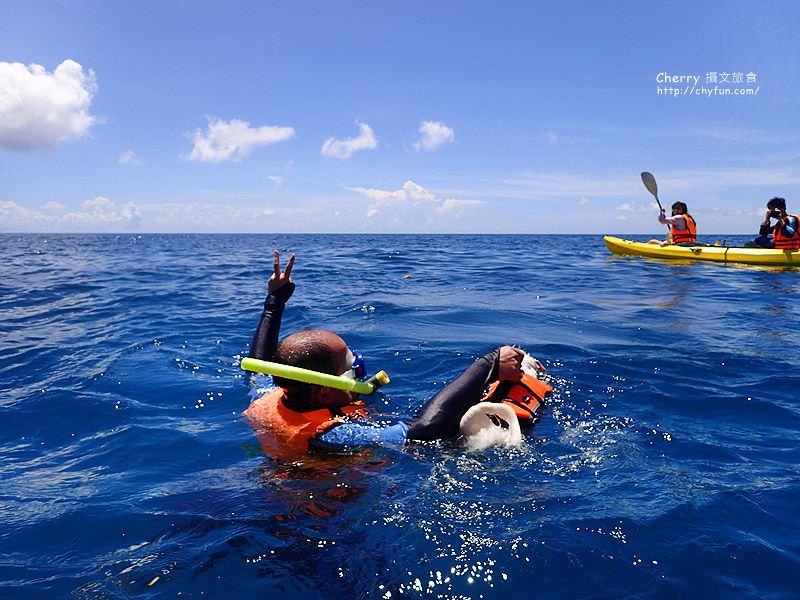 1468017074-27f5b1b23639eb112cab94bf4a8ee9e4 屏東|小琉球划獨木舟、浮潛、看海龜,就是醬不同玩法