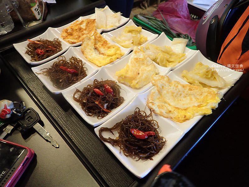 1468063823-feb9840897f2aa93a100609b2979b0bb 屏東|小琉球島上船造型的金獅子餐廳,饗用特色餐點
