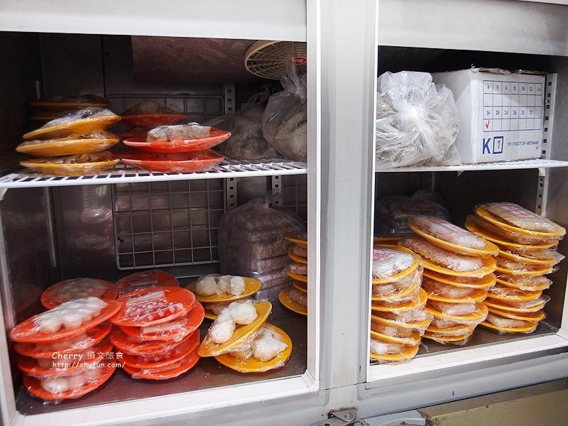 1481561472-7f80cde992eb77cbfcb6195e924e629d 高雄|東東迷你石頭火鍋(鹽埕店),給菜大方湯頭鮮甜,一人獨享多人共鍋都方便