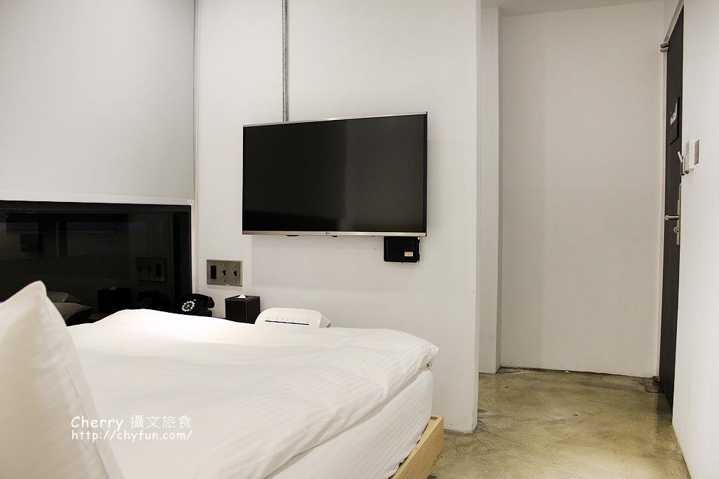 1490027335-6948cd2806cbb805fcc2befa4fd0aeec 台中|鵲絲旅店,感受自動化無人自助式住房,輕鬆來逛逢甲夜市