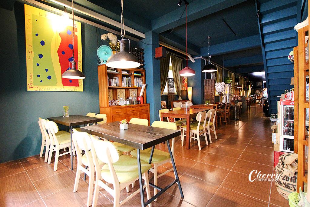 20170913172445_48 高雄 中西合併有鹹熱食、甜點的咖啡館,就在舒適的TED KING GARAGE CAFE
