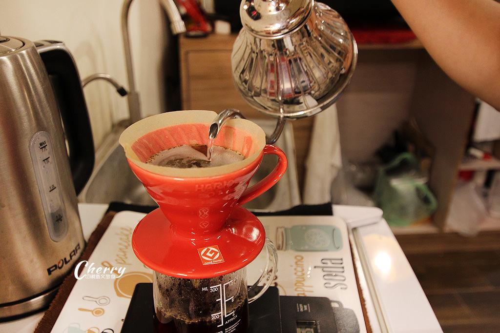 20171106231835_31 雲林|土庫喝咖啡,走入時光旅行的金茂利鐘錶咖啡