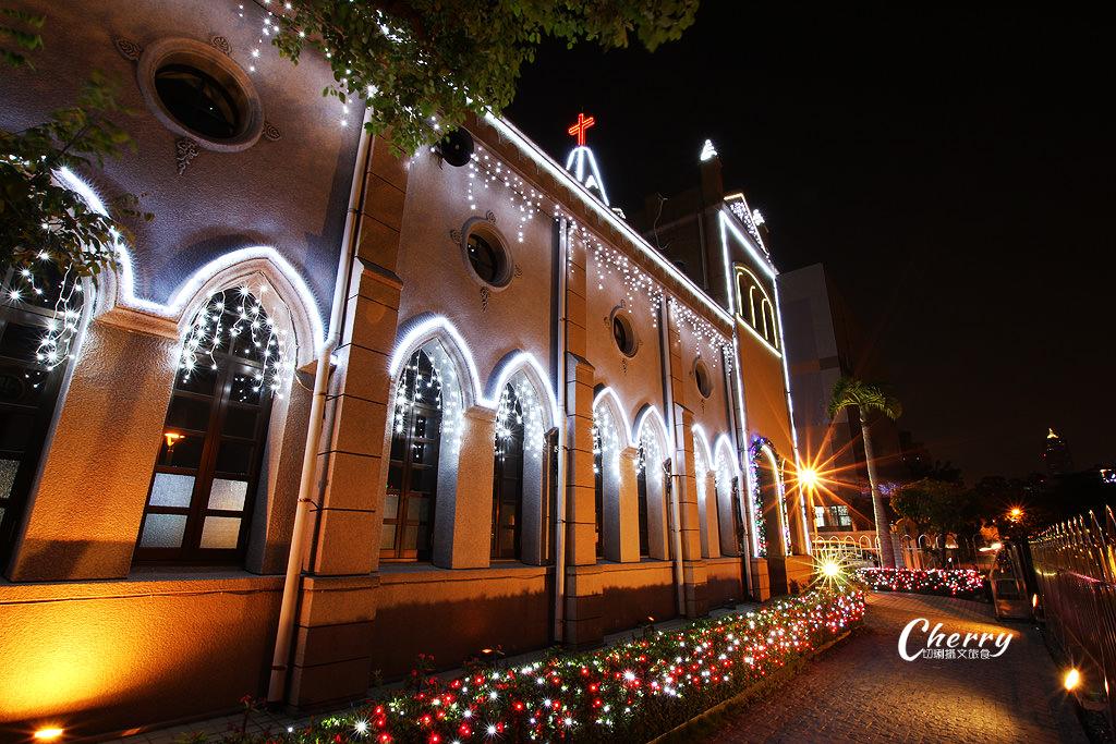20171206055936_20 高雄 鹽埕教會點燈耶誕,繽紛亮眼多人玩夜拍