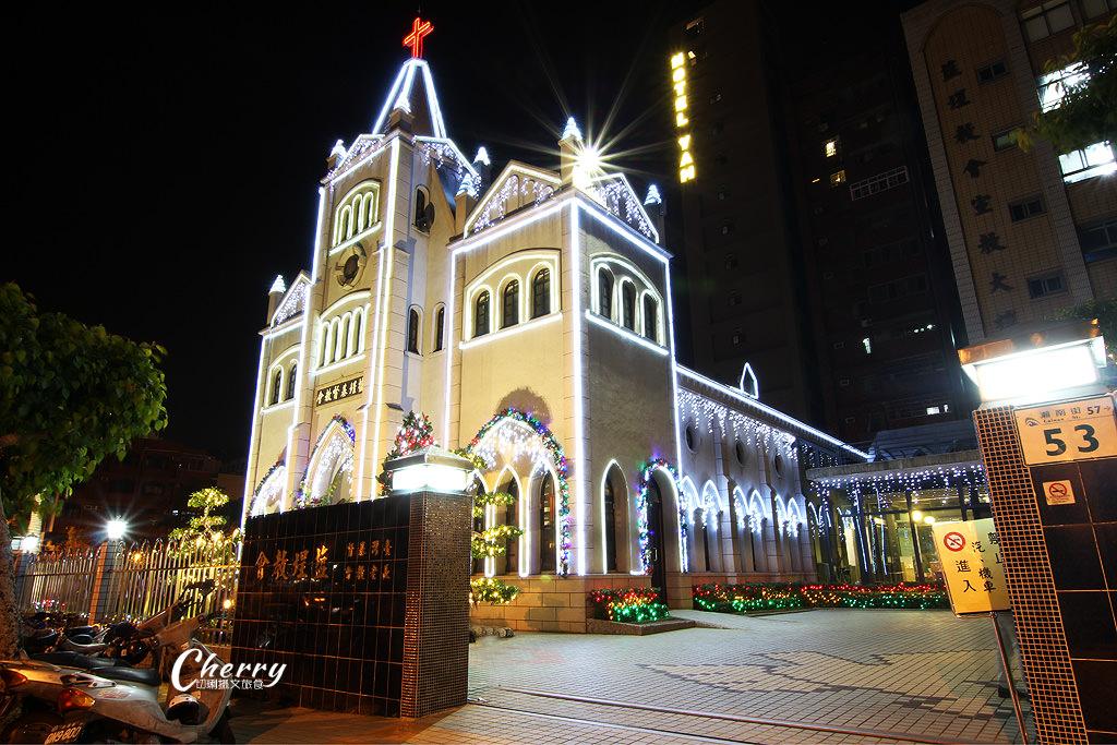 20171206055946_90 高雄 鹽埕教會點燈耶誕,繽紛亮眼多人玩夜拍