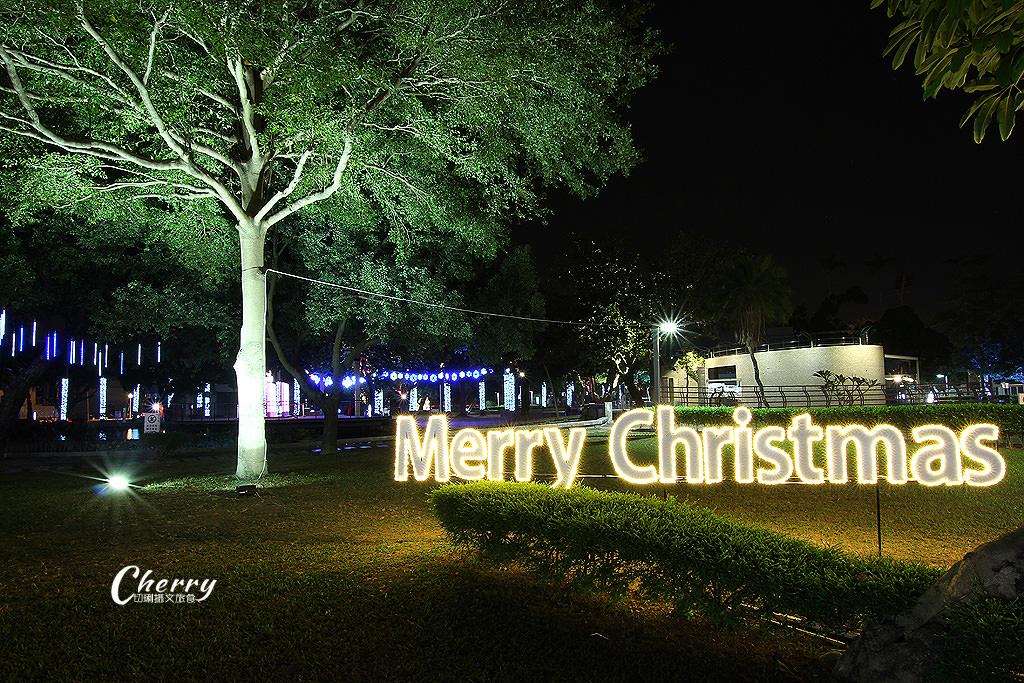 20171208121418_92 屏東|聖誕節燦爛在屏東公園,走在主題燈區浪漫體驗