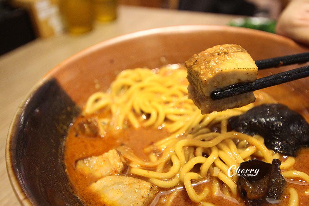 20171227210527_15 高雄 噴火秀的日本拉麵,就來札幌炎神拉麵品嚐