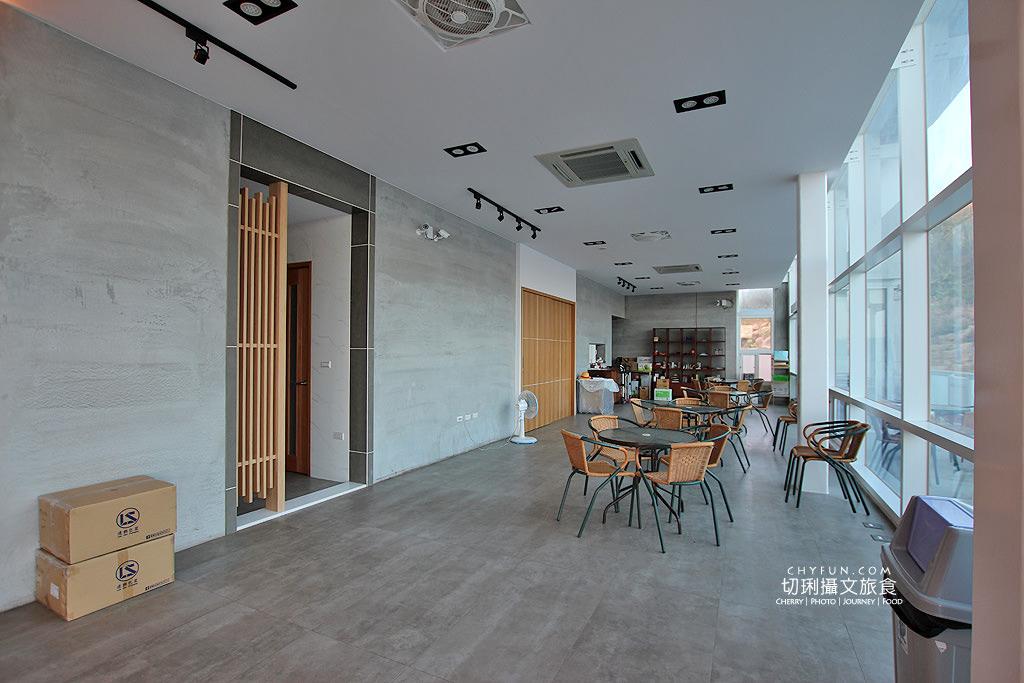 20180616183047_10 澎湖|大菓葉冰淇淋文化館,在依山傍海的純白建築玻璃屋吃冰喝咖啡