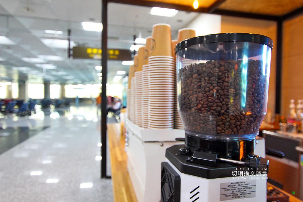 20180927030919_2 澎湖 吹吹風咖啡配飛機,在澎湖機場喝咖啡候機接機