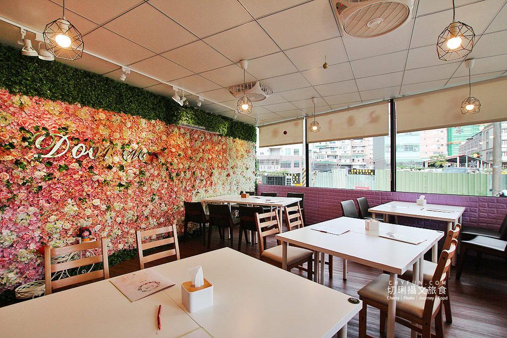 20190521200242_2 高雄、狗餐廳|朵映花花寵物友善,網美空間與美食聚餐好去處