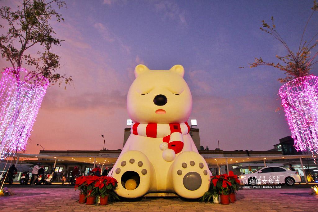 20191219122714_48 嘉義|嘉義車站三米高沉睡白熊回嘉迎賓,聖誕點燈報佳音歡迎光林