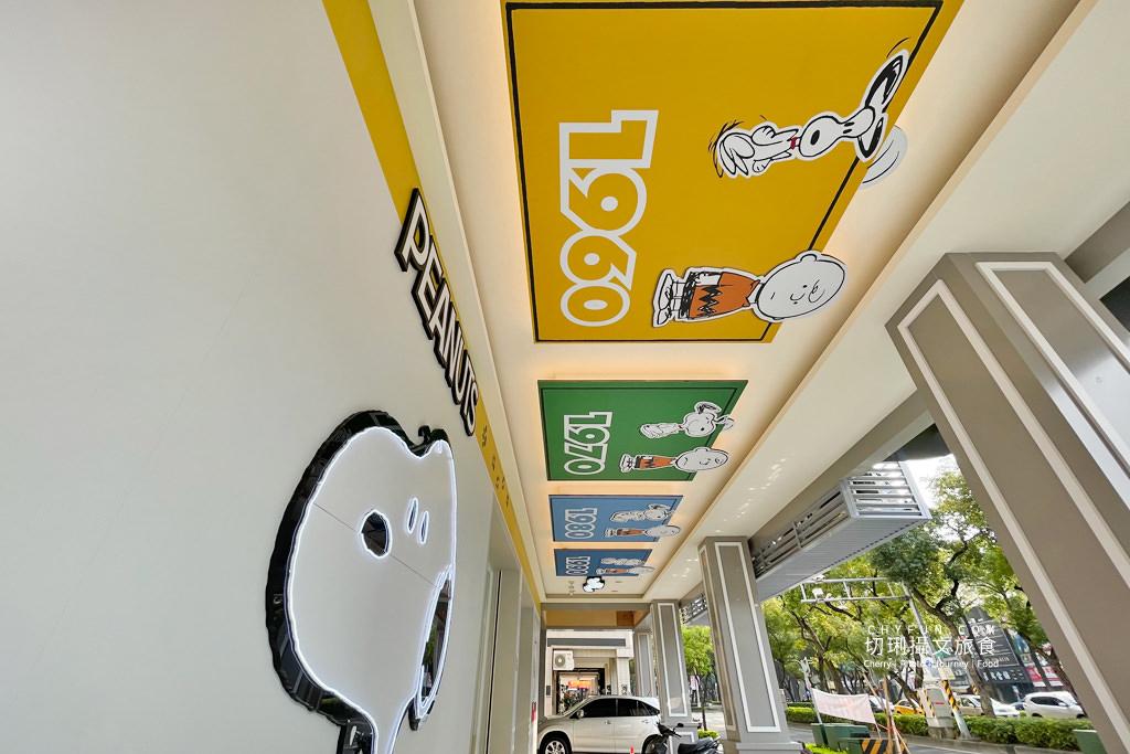 7-11史努比門市高雄06 高雄|7-11史努比門市每個角落都可愛,SNOOPY主題分布天花板牆面超好拍